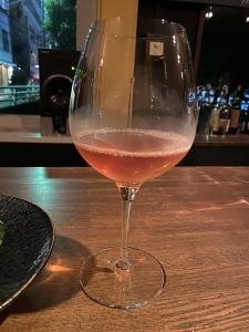 【白ワインは着色しない、は間違い?!】